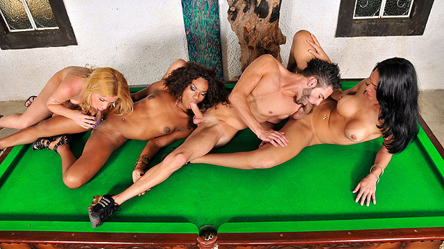 Shemale Groupsex 69